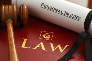 lawyers-1000803_640